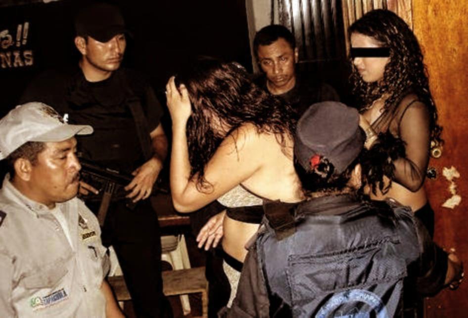 Police raid in Chiapas, 2010